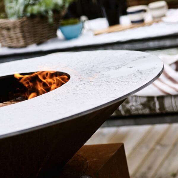 circle grill close up